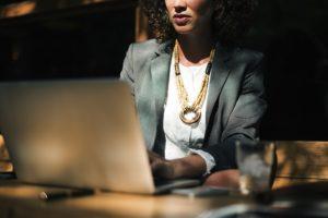 Technik organizacji reklamy - zarobki