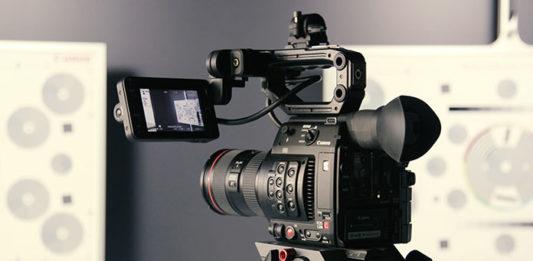 Rozwiązania wideokonferencyjne dla firm – jak skutecznie z nich korzystać?